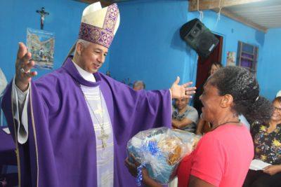 Santuário Nossa Senhora da Guia recebe visita de Dom Manoel