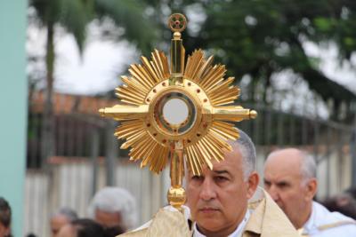 Dom Manoel celebra missa de Corpus Christi na Catedral São Francisco Xavier na quinta-feira, dia 11