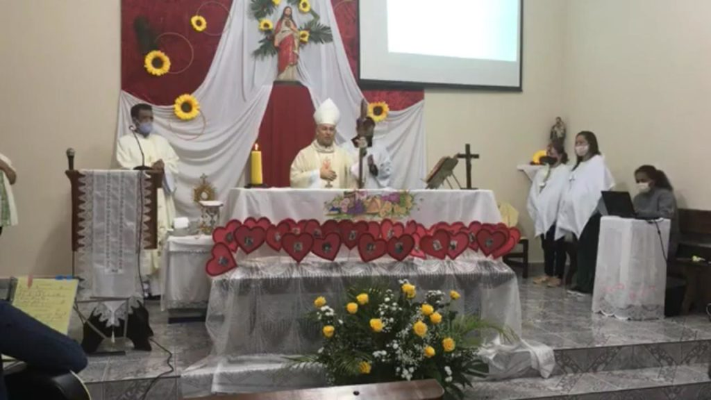 Dom Manoel preside missa em Barra do Turvo