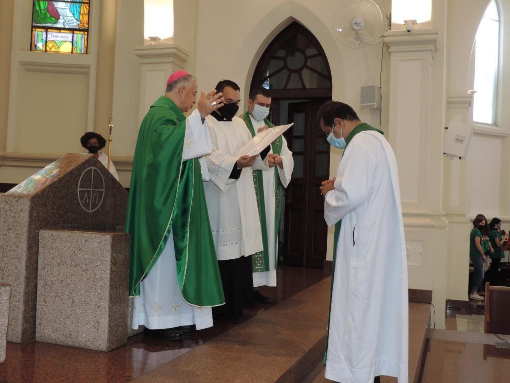 Em missa, Padre Lúcio André Pereira é enviado para missão na Amazônia